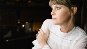 """Isolde Lasoen blij met werk als gastvrouw van cultuurkwartiertje op Canvas: """"Ik leidde een zinloos bestaan"""""""