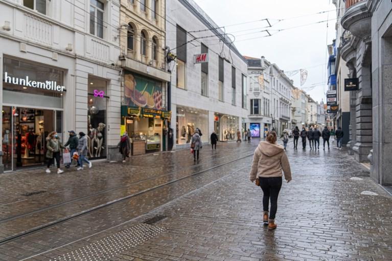 Er zijn nog zekerheden: de winkels zijn weer open en daar is de wachtrij aan de Primark