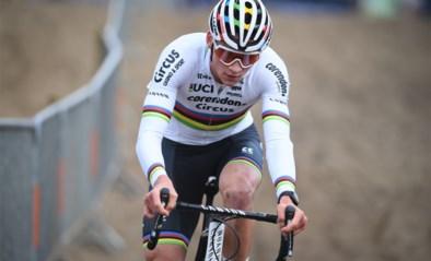 De schoenen maken de man: Mathieu van der Poel zal Wout van Aert heel duidelijk maken wie wereldkampioen veldrijden is