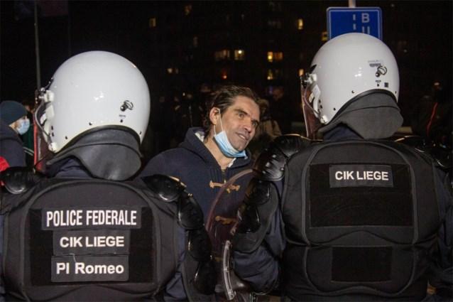"""Organisatoren van coronaprotestmars Luik zoeken getuigen van """"repressie"""" door politie"""