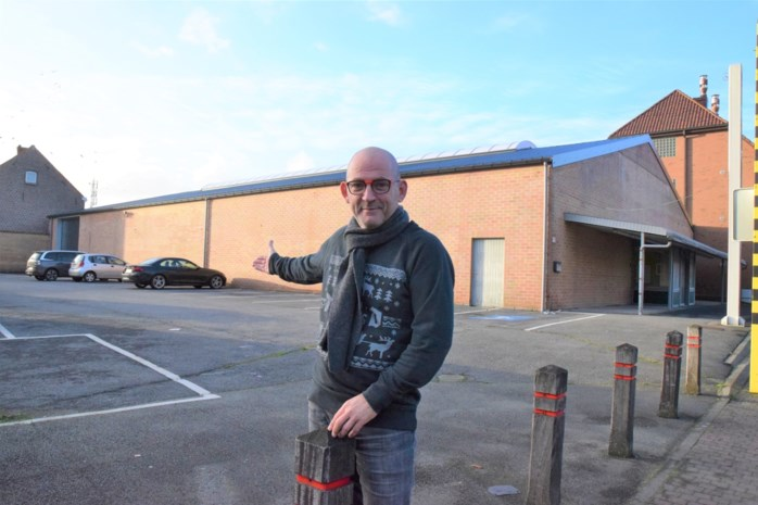 Ondernemer Steven Van Gansbeke blaast oude supermarkt nieuw leven in: apotheek, farmatheek en winkels op Smatch-site