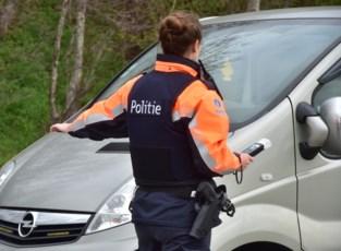 Politie moet wegpiraat klemrijden die met 134 kilometer per uur voorbij snelheidscontrole raast