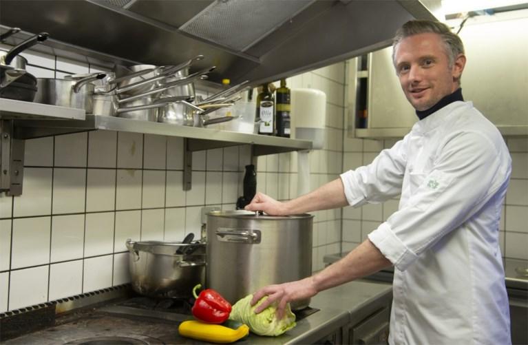 """Jongeren strikken chefs voor kookboek: """"Niemand van ons kan goed genoeg koken voor gerechten met allure"""""""