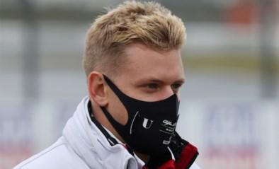 Mick Schumacher maakt acht jaar na afscheid van zijn vader F1-debuut