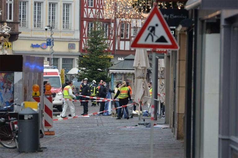 """""""Het is een horrorscène"""": auto rijdt in op voetgangers in Trier, vijf doden onder wie een baby"""