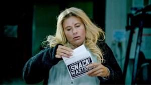 Nathalie Meskens imiteert Ruth Beeckmans in 'RIP 2020'