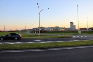 """Luchthaven maakt zich op om coronavaccins op te slaan en te verdelen: """"Grootste luchtvaartoperatie sinds Tweede Wereldoorlog"""""""