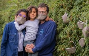 """Het medicijn tegen rondslingerende kapjes? De allereerste composteerbare mondmaskers: """"Ze beschermen even goed"""""""