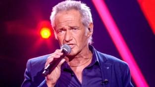 Fitnesscoach René hoopt zich staande te houden in knock-outs van The Voice Senior