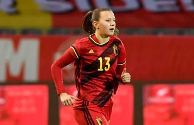 Dinsdag geplaatst voor het EK, nu examens: die twee minuten maken het voor OHL-talent Hannah Eurlings (17) allemaal waard
