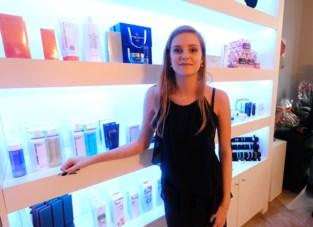 """Leslie (21) sluit zich aan bij oproep om schoonheidssalons na nieuwjaar weer te openen: """"Bang dat klanten me zullen vergeten"""""""