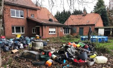 Verhuurder kan ogen niet geloven: woning blijft achter met stort in tuin en dode honden in waterput
