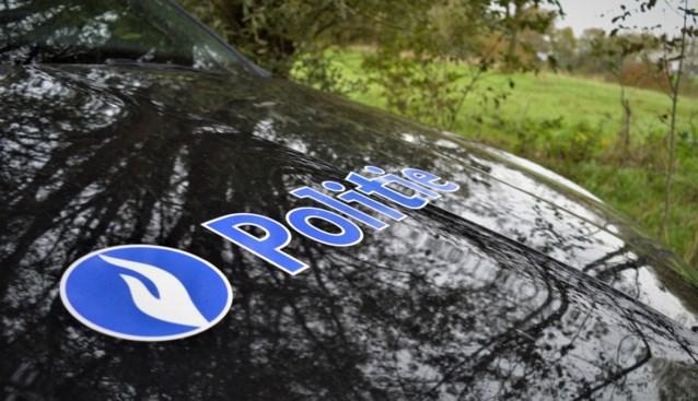 Bestuurder vlucht met snelheden tot 240 km/uur weg voor politie in Kortrijk