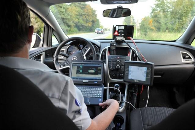 """Jonge bestuurder rijdt meer dan tweemaal te snel: """"Hij ging de nieuwe wagen wassen"""""""