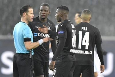 """Alle ogen op Nederlandse ref die 'vervolg' van PSG - Basaksehir in goede banen moet leiden: """"Als ze willen, kniel ik mee"""""""