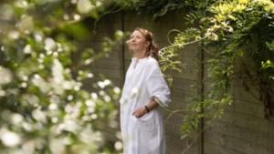 """Linde Merckpoel (36) bevallen van dochtertje: """"Mooiste lichtpunt in gek jaar"""""""