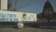 Aangrijpend: video waarin een voetbal afscheid neemt van Maradona gaat de wereld rond