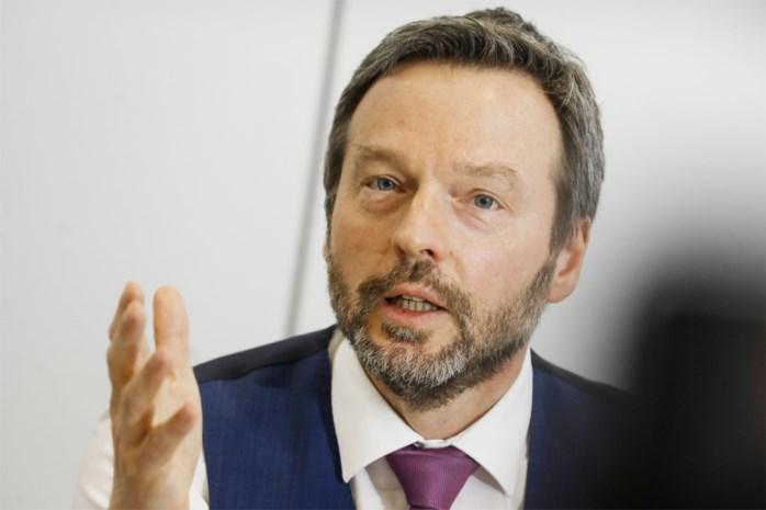 Wunsch geeft het voorbeeld en levert in: gouverneur Nationale Bank gaat 10 procent minder verdienen
