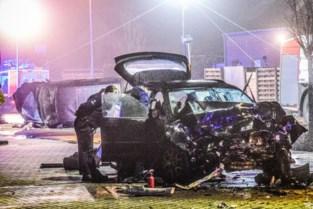 """Brokkenpiloot (29) opgepakt die ravage aanrichtte en moeder met kind (4) carjackte: """"Hij reed rond in een geleende wagen"""""""