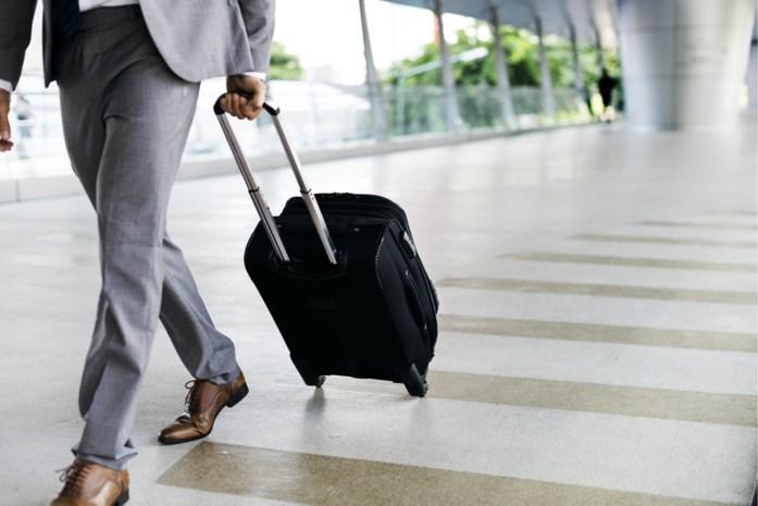 """Ondernemers slaan noodkreet om quarantaineregel na terugkeer uit buitenland: """"Zo kunnen we contracten niet nakomen"""""""