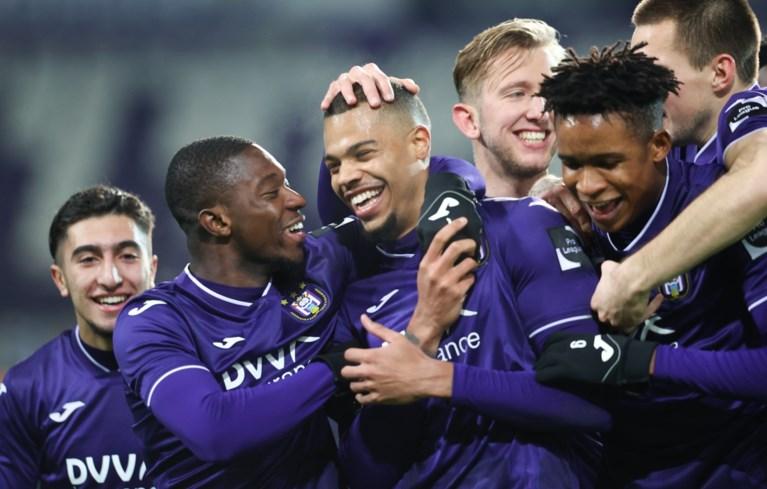 Anderlecht neemt met 6 eigen jeugdproducten (!) de maat van KV Oostende, horrordebuut voor debutant Lucas Lissens