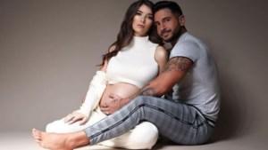 'Temptation'-Arda en Amber verwelkomen eerste kindje