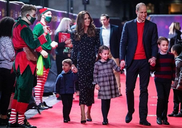 Guitige prins Louis steelt de show op kerstkaartje van prins William en zijn gezin