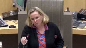"""Homans dreigt koffiekamer Vlaams Parlement te sluiten: """"Coronaregels zijn overtreden"""""""
