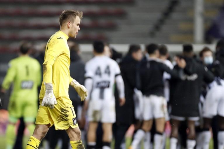 Ook in Charleroi drama voor Anderlecht in het slot: onderuit in laatste seconde na flatertje Wellenreuther