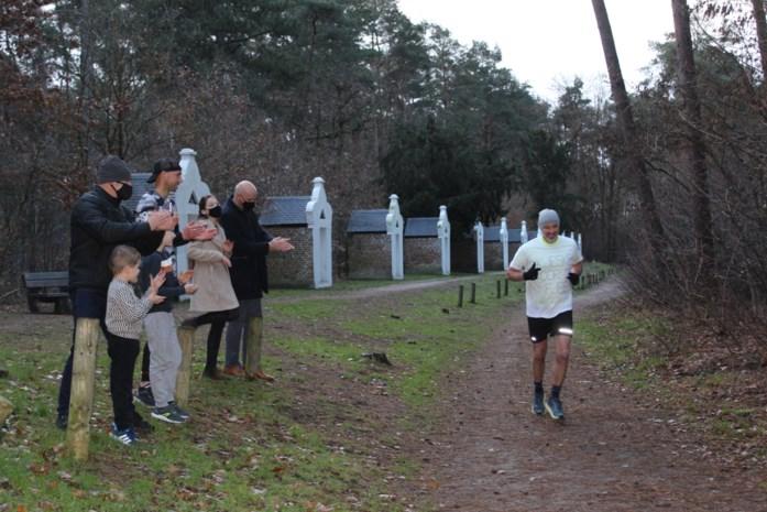 Voetbalcoach loopt 48 kilometer naar Scherpenheuvel om revaliderende vriend te steunen