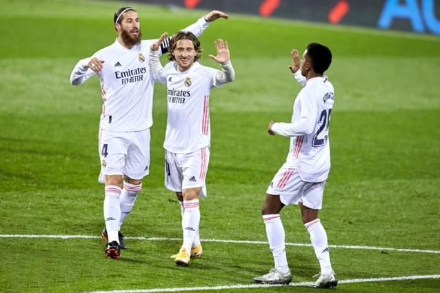 Real Madrid terug op gelijke hoogte met leider Atlético Madrid na vroege goals bij Eibar