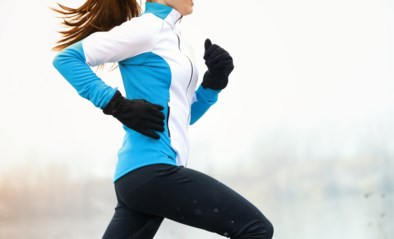 Sporten in de koude wintermaanden: met deze tips hou je het warm (zonder je kapot te zweten)