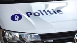 """Antwerpse agent blijft ontslagen nadat hij allochtone man """"vies ventje"""" noemde"""