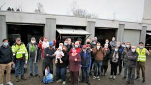 """Deze vrijwilligers bezorgen iedereen warme kerst: """"Niemand met een leeg bord"""""""