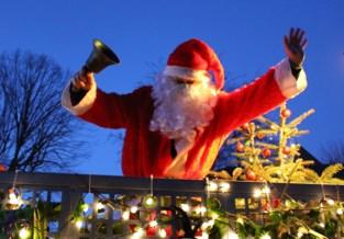 Verlichte kerstparade zorgt voor sfeer