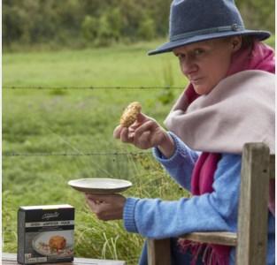 Voormalig uitgeefster Maureen maakt de ultieme ovenkroket: op zoek naar de krokantste korst en de smeuïgste inhoud