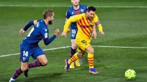 LA LIGA. Barcelona wint zuinig, Luis Suarez schiet Atlético naar de leiding