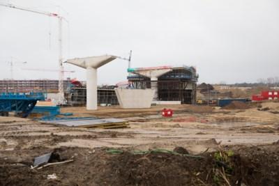 Ruim honderd buitenlandse arbeiders voor Oosterweel dagen niet op door coronaregels