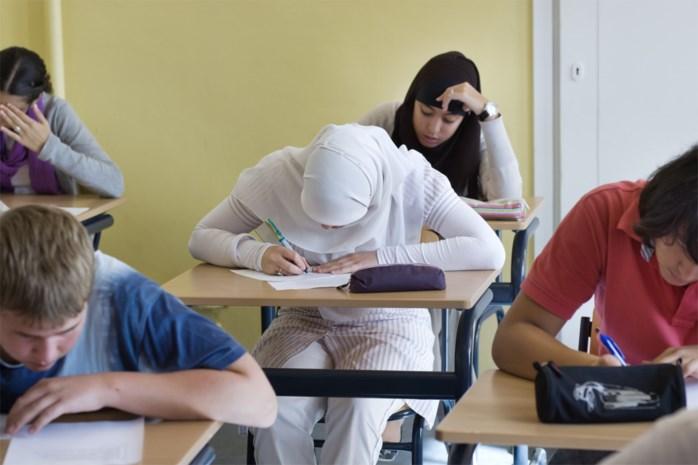 """Scholen moeten slechts handvol leerlingen huiswaarts sturen na vakantie in buitenland: """"We gaan geen heksenjacht starten"""""""