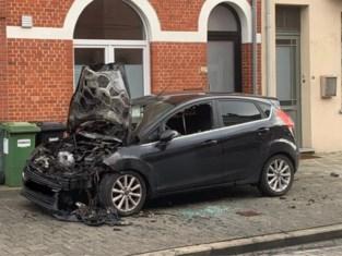 Autobrand in Destelbergen werd aangestoken