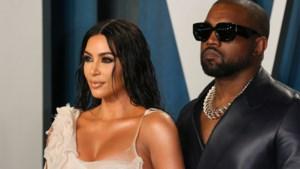 Kim Kardashian neemt advocaat in de arm en draagt trouwring niet meer, breuk met Kanye West lijkt een feit