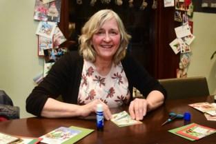 Vera geeft kerstkaarten een tweede leven
