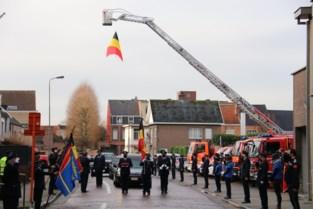 Erehaag voor overleden brandweerofficier Chris (52)<BR />