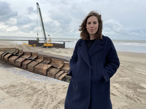 """Oostende krijgt er een stukje zeedijk bij om impact van stormen te onderzoeken: """"In zeven jaar tijd zullen er veertig stormen op inbeuken"""""""