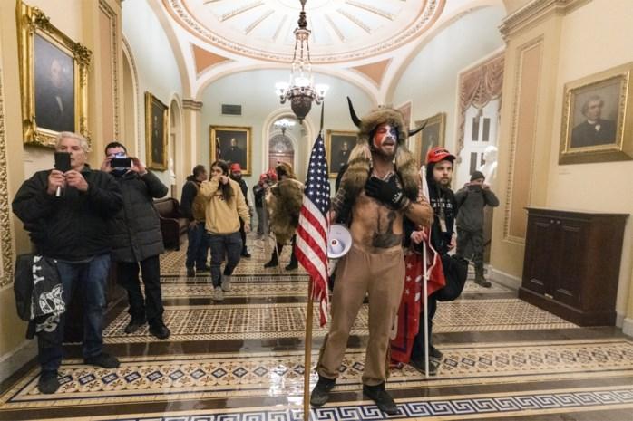 Hoe konden betogers het Capitool zo makkelijk binnendringen? Met dank aan onderschatting, speciaal gereedschap en een paar tweets van Trump