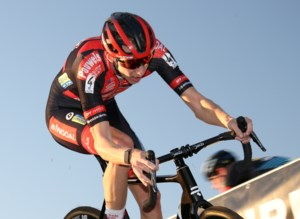 """Michael Vanthourenhout droomt van eerste driekleur: """"Ik start om te winnen"""""""