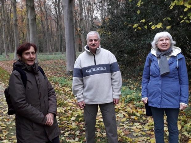 """Drie alleenstaanden vinden troost in eigen wandelbubbel: """"Het werkt verslavend"""""""