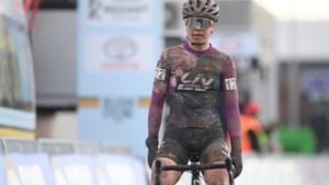 """Lotte Kopecky verrast met zilver op BK, maar twijfelt nog over WK-deelname: """"Sta voor een heel druk jaar"""""""