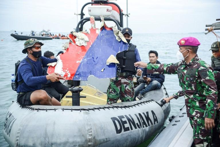 Eerste slachtoffers vliegtuigcrash Indonesië bekend: zwangere moeder, vijf familieleden en een vader die op zakenreis was