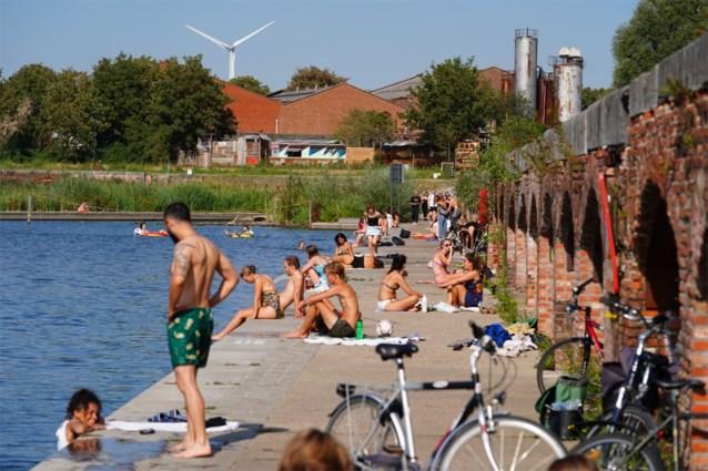 Zwemmen in het Houtdok blijft ook deze zomer verboden: water is te vervuild